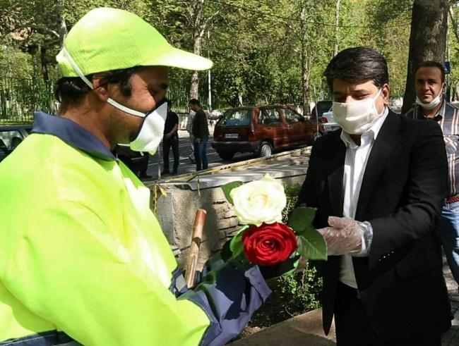 دلجویی شهردار تهران از پاکبانی که توسط سحر قریشی به او توهین شده بود